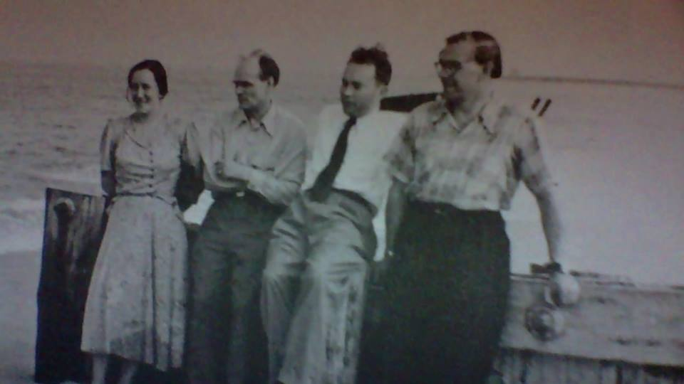 Silvia Narma, Henrik Visnapuu and others, possibly on Long Island, ca. 1950